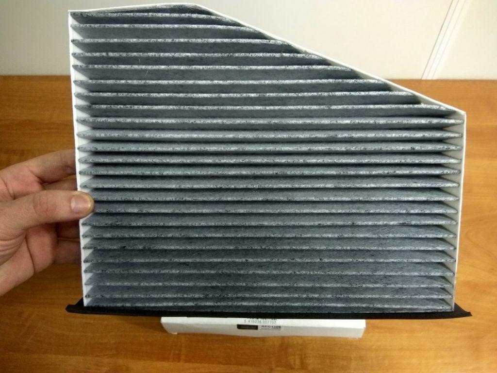 Салонный фильтр воздуха с активированным углем MILES AFC1106